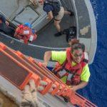 【アメリカ】太平洋を5カ月漂流、日本沖で女性2人と犬2匹救助 米海軍〔10/28〕